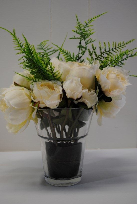 MEDIUM VASE WITH ARRANGEMENT